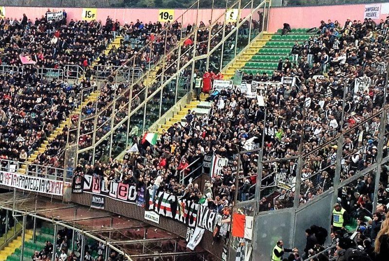 Tifosi Juventus a Palermo 14 mar 2015 T