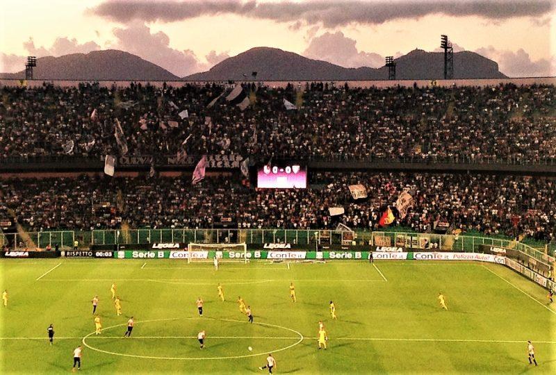 Palermo Frosinone 2-1 play off entusiasmo Curva Nord, massimo rispetto per il pubblico ospite.