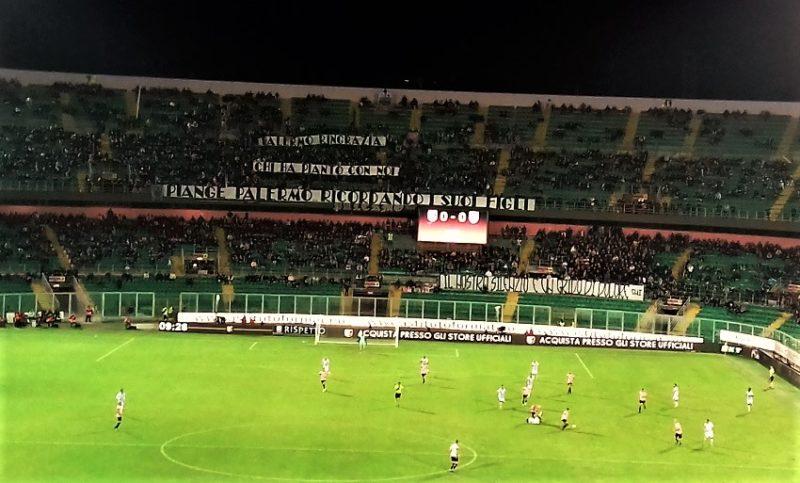 Palermo-Pescara striscioni curva nord T