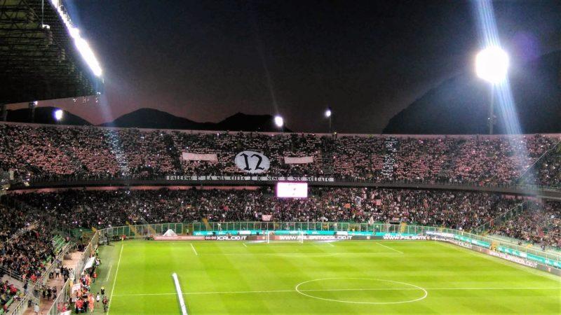 Curva nord in occasione di Palermo.Verona 3-2 (maggio 2016). L'utlima salvezza conquistata in serie A. Foto di Carmelo Busardò