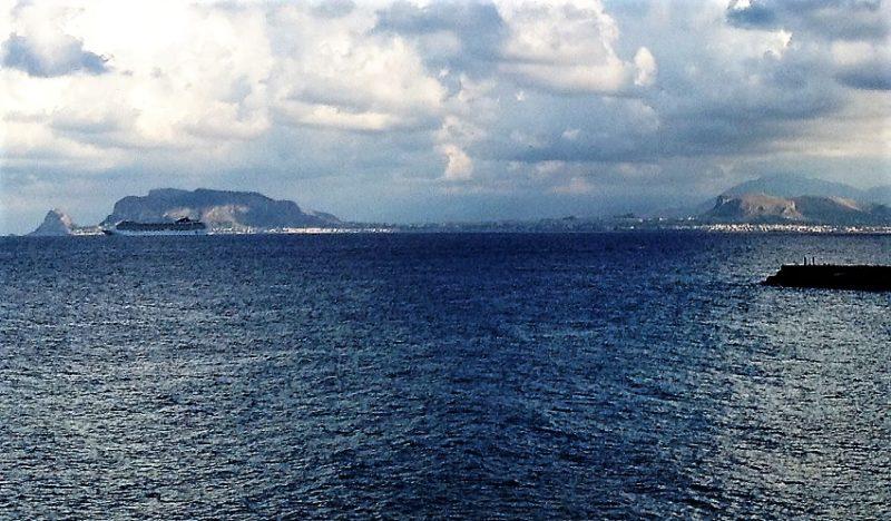 Non è detto che vedremo capo Zafferano da Palermo, una volta costruito il porto cinese