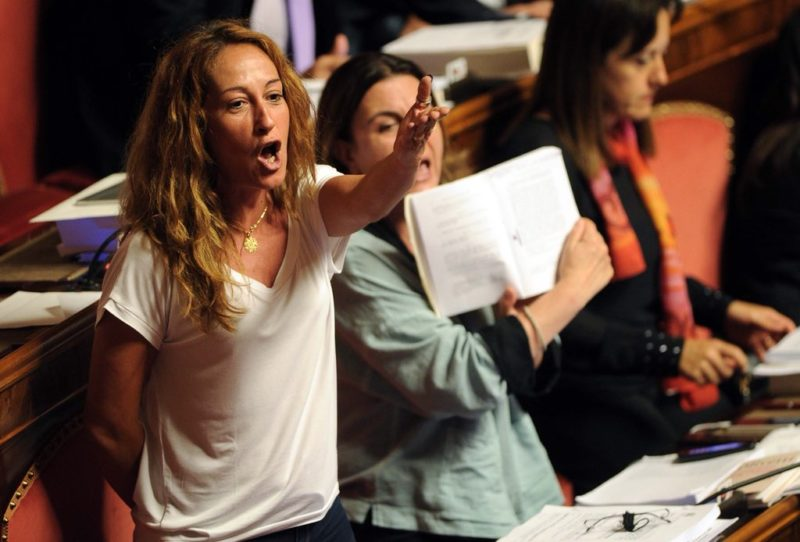 Paola Taverna in Parlamento