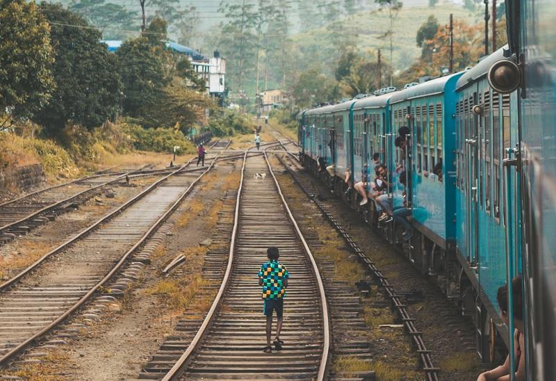 Sri Lanka eranda-fernando-1091184-unsplash zoom M