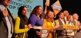 Liberal-Democratici primi nei sondaggi. Brexit in caduta libera