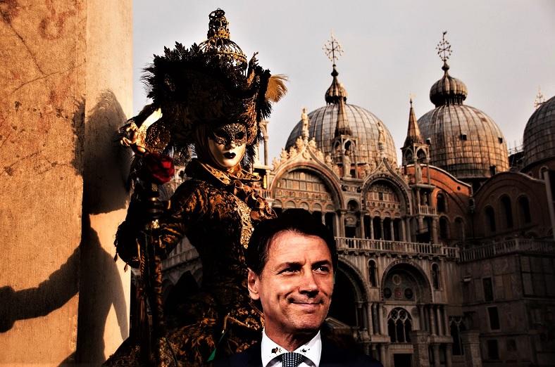 Conte e la grottesca recita del Carnevale di Venezia 2 T M