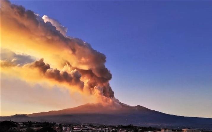 Etna eruzione 16 febbraio 2021 foto Graziella Raciti