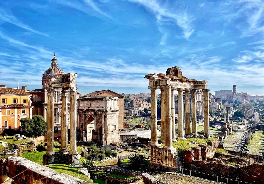 Auguri Roma massimo-virgilio-lgGP3fqFySQ-unsplash M cut