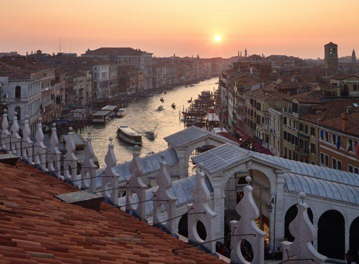 Leavers Venice luca-bravo-Wt2ZI8FDPyI-unsplash M