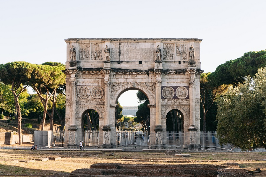 Rome Arch of Constantine mayor or not mayor